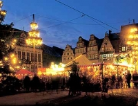 weihnachtsmarkt_abend_g.jpg